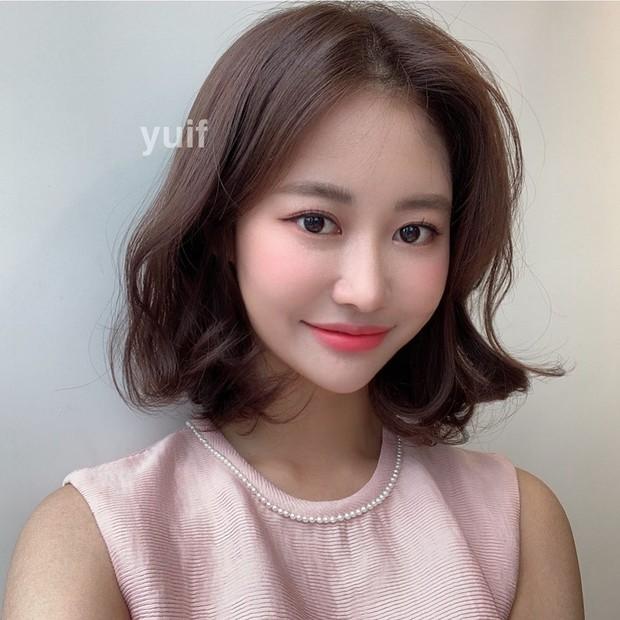 6 kiểu tóc ngắn giúp gương mặt nhỏ gọn thanh thoát, lại ăn gian tuổi cực siêu khiến bao nàng muốn thử - Ảnh 6.