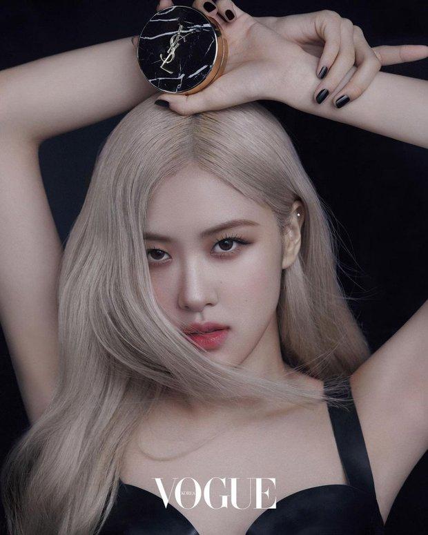 Ảnh tạp chí mới của Rosé (BLACKPINK) thành chủ đề nóng: Chỉ 3 tấm show trọn combo mặt xinh, thần thái đỉnh, body sexy hút mắt - Ảnh 3.