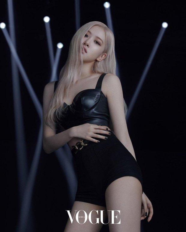 Ảnh tạp chí mới của Rosé (BLACKPINK) thành chủ đề nóng: Chỉ 3 tấm show trọn combo mặt xinh, thần thái đỉnh, body sexy hút mắt - Ảnh 4.