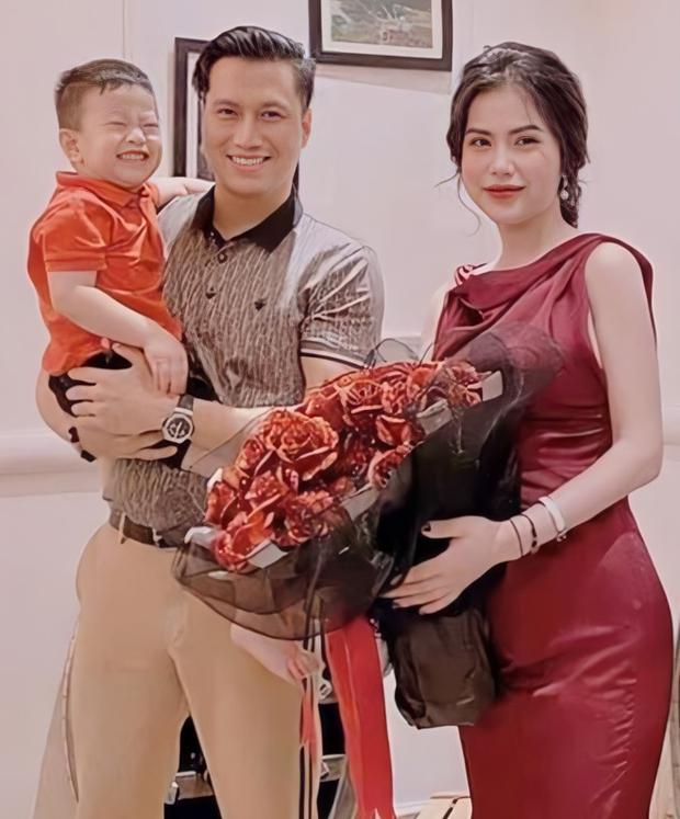"""Việt Anh lộ diện mạo ngày càng nữ tính hậu """"dao kéo"""", đến vợ cũ cũng phải để lại bình luận hoang mang - Ảnh 6."""