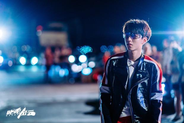Vương Tuấn Khải bất ngờ ló dạng ở trailer phim của Châu Kiệt Luân, đáng nói là thái độ của mỹ nam trước mặt thần tượng - Ảnh 4.