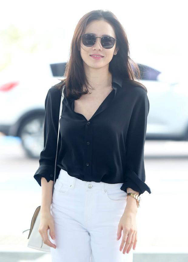 Son Ye Jin hạ đo ván Song Hye Kyo về style sân bay: Người biến sân bay thành sàn diễn, người mãi ăn vận xuề xòa cẩu thả - Ảnh 8.