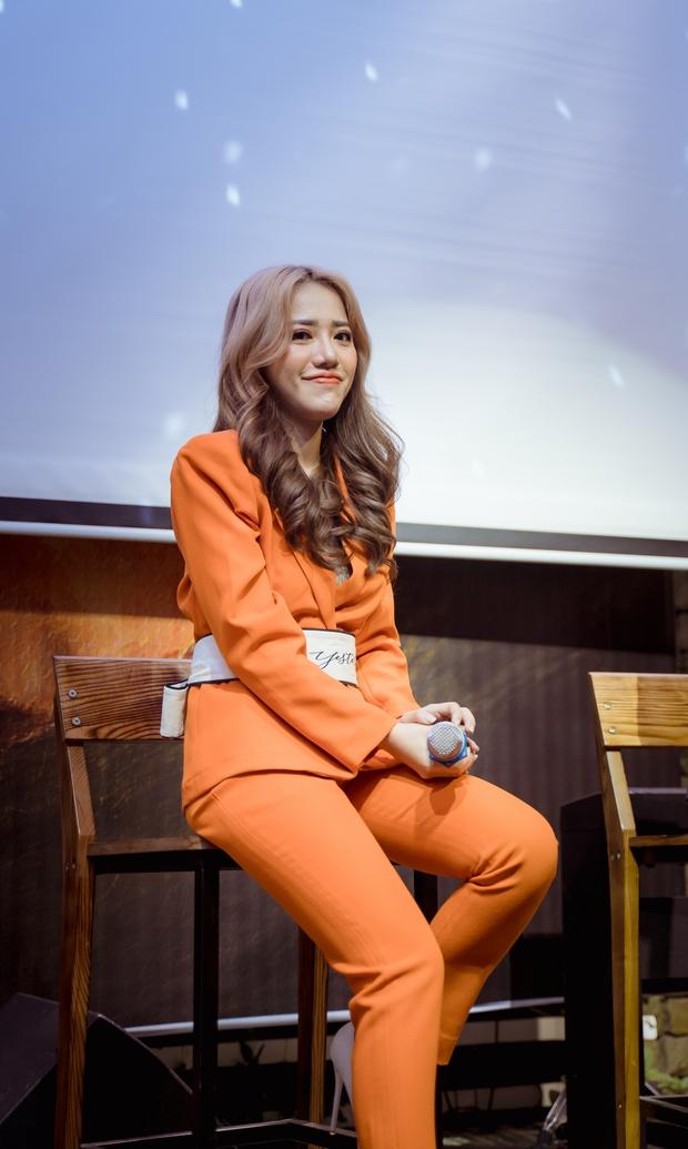 Phùng Khánh Linh lần đầu tiết lộ mặt trái khi về công ty mới, có tới 3 ca khúc trong album lấy cảm hứng từ crush - Ảnh 2.