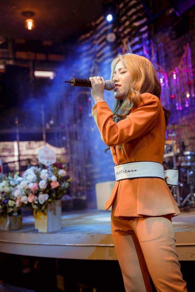 Phùng Khánh Linh lần đầu tiết lộ mặt trái khi về công ty mới, có tới 3 ca khúc trong album lấy cảm hứng từ crush - Ảnh 6.