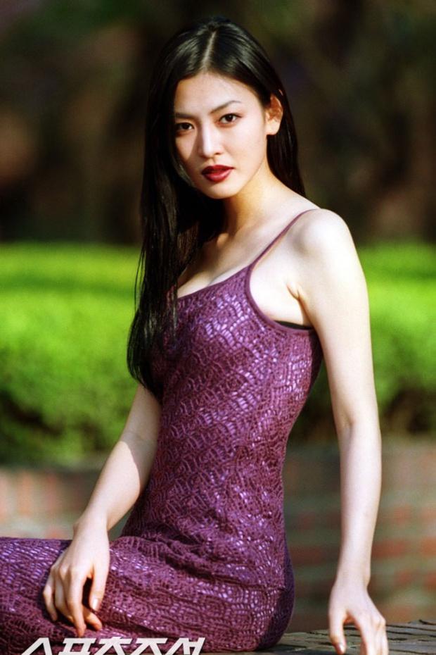 Cô giáo mưu mô Penthouse Kim So Yeon: Sao nhí gây tranh cãi thành ác nữ đẹp nhất xứ Hàn, hở bạo đến mức đi vào lịch sử Kbiz - Ảnh 6.