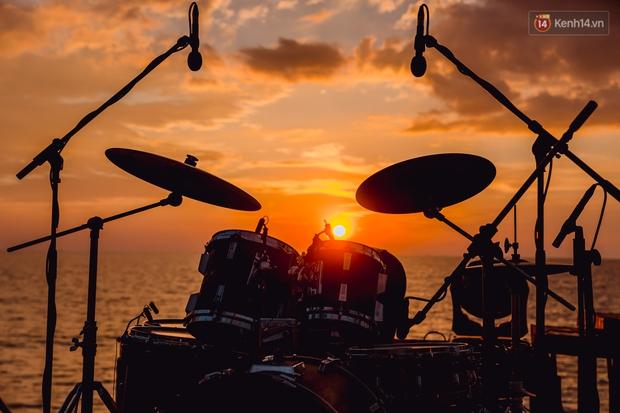 Ngây ngất sân khấu HOT14 WOW Sunset Fest: đắm mình tuyệt đẹp dưới hoàng hôn Phú Quốc, đỉnh cao của chill là đây chứ đâu! - Ảnh 7.