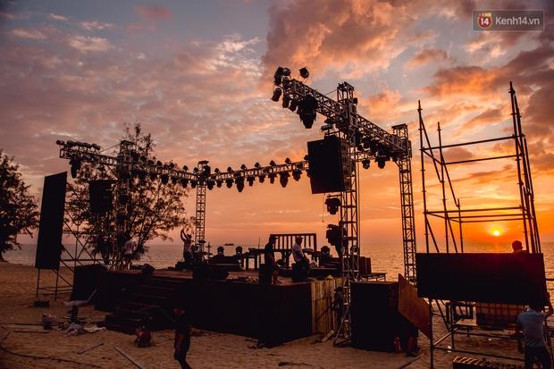 Ngây ngất sân khấu HOT14 WOW Sunset Fest: đắm mình tuyệt đẹp dưới hoàng hôn Phú Quốc, đỉnh cao của chill là đây chứ đâu! - Ảnh 9.