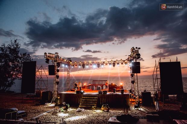 Ngây ngất sân khấu HOT14 WOW Sunset Fest: đắm mình tuyệt đẹp dưới hoàng hôn Phú Quốc, đỉnh cao của chill là đây chứ đâu! - Ảnh 15.