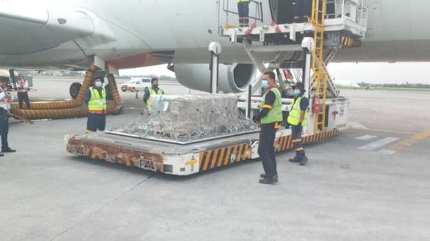 Chuyến bay cuối của Á hậu Philippines: Thi hài nằm lạnh lẽo trong quan tài được đưa về quê nhà, người thân khóc hết nước mắt tại tang lễ riêng tư - Ảnh 6.