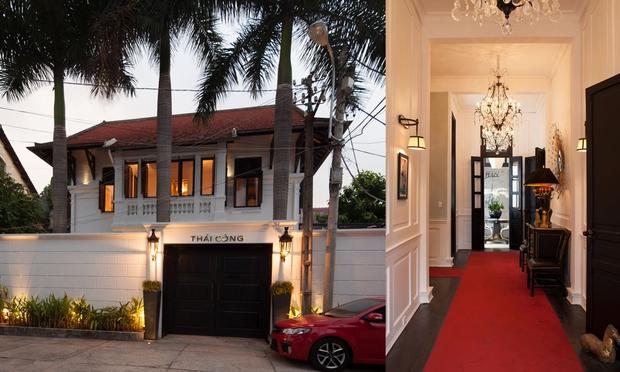 Chiêm ngưỡng hình ảnh nhà biệt thự đẹp tuyệt giữa Sài Gòn của NTK Thái Công