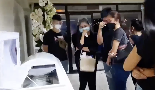 Chuyến bay cuối của Á hậu Philippines: Thi hài nằm lạnh lẽo trong quan tài được đưa về quê nhà, người thân khóc hết nước mắt tại tang lễ riêng tư - Ảnh 2.