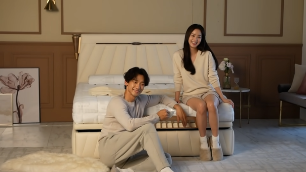 Cách Bi Rain đối xử với vợ ngoài đời: Cứ tưởng luôn nâng niu Kim Tae Hee, nào ngờ cũng có lúc phũ phàng - Ảnh 9.