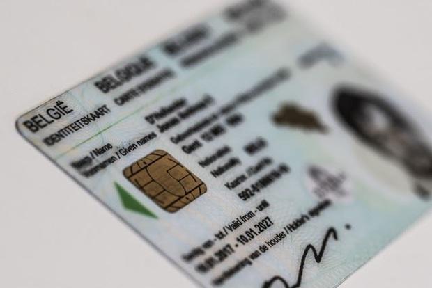 Thẻ Căn cước công dân gắn chip sẽ rất xịn sò, độ bảo mật cao, đã có hơn 70 quốc gia trên thế giới sử dụng - Ảnh 2.