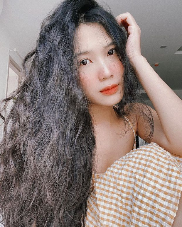 Cựu hot girl Sài thành khoe ảnh chị mẹ hồi trẻ, đẹp thế này bảo sao chiếm hết spotlight của con - Ảnh 1.
