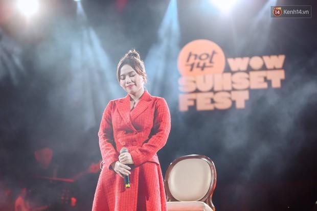 """Jack, Thuỳ Chi khiến fan """"mê mẩn"""" với loạt hit, Juky San - LyLy cùng dàn nghệ sĩ làm bùng nổ sân khấu chưa từng có tại HOT14 WOW Sunset Fest - Ảnh 17."""