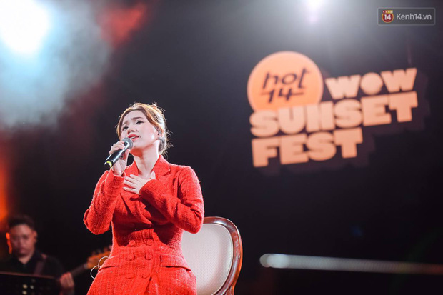 """Jack, Thuỳ Chi khiến fan """"mê mẩn"""" với loạt hit, Juky San - LyLy cùng dàn nghệ sĩ làm bùng nổ sân khấu chưa từng có tại HOT14 WOW Sunset Fest - Ảnh 15."""
