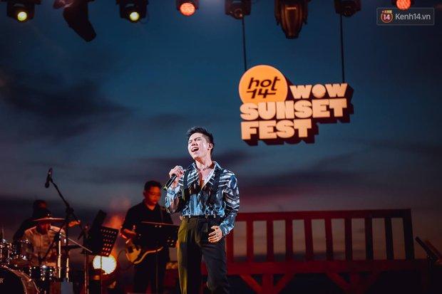 """Jack, Thuỳ Chi khiến fan """"mê mẩn"""" với loạt hit, Juky San - LyLy cùng dàn nghệ sĩ làm bùng nổ sân khấu chưa từng có tại HOT14 WOW Sunset Fest - Ảnh 12."""