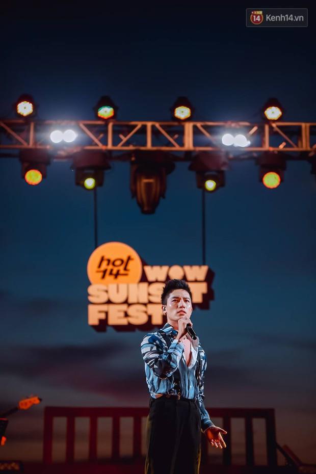 """Jack, Thuỳ Chi khiến fan """"mê mẩn"""" với loạt hit, Juky San - LyLy cùng dàn nghệ sĩ làm bùng nổ sân khấu chưa từng có tại HOT14 WOW Sunset Fest - Ảnh 14."""
