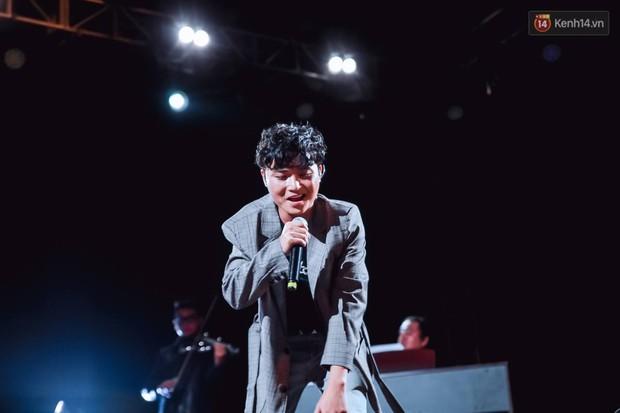 """Jack, Thuỳ Chi khiến fan """"mê mẩn"""" với loạt hit, Juky San - LyLy cùng dàn nghệ sĩ làm bùng nổ sân khấu chưa từng có tại HOT14 WOW Sunset Fest - Ảnh 23."""