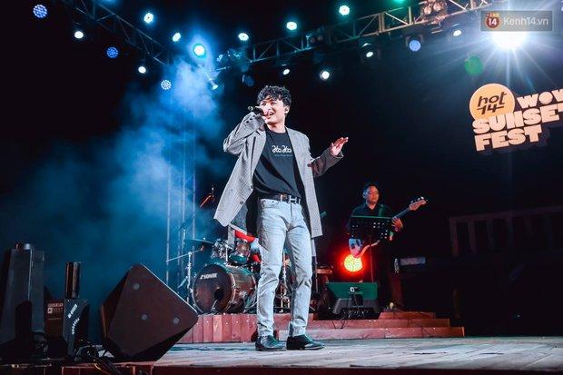 """Jack, Thuỳ Chi khiến fan """"mê mẩn"""" với loạt hit, Juky San - LyLy cùng dàn nghệ sĩ làm bùng nổ sân khấu chưa từng có tại HOT14 WOW Sunset Fest - Ảnh 24."""