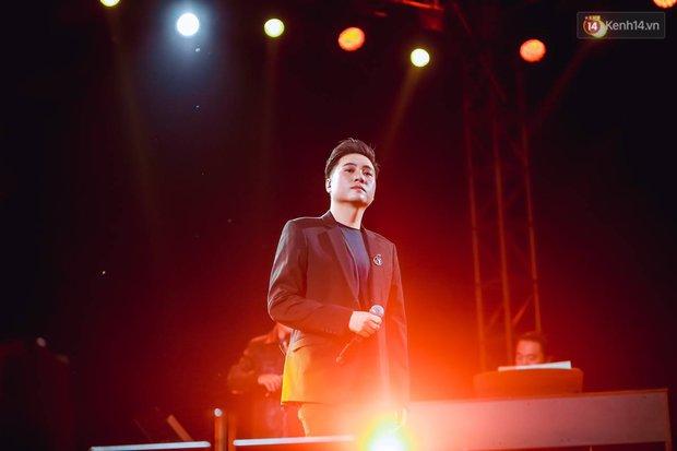 """Jack, Thuỳ Chi khiến fan """"mê mẩn"""" với loạt hit, Juky San - LyLy cùng dàn nghệ sĩ làm bùng nổ sân khấu chưa từng có tại HOT14 WOW Sunset Fest - Ảnh 22."""