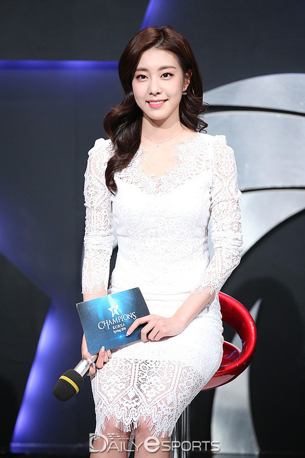 5 bóng hồng bước qua đời So Ji Sub: Toàn mỹ nhân ngực khủng căng tràn bờ đê, Son Ye Jin học vấn thua xa vợ tài tử - Ảnh 22.