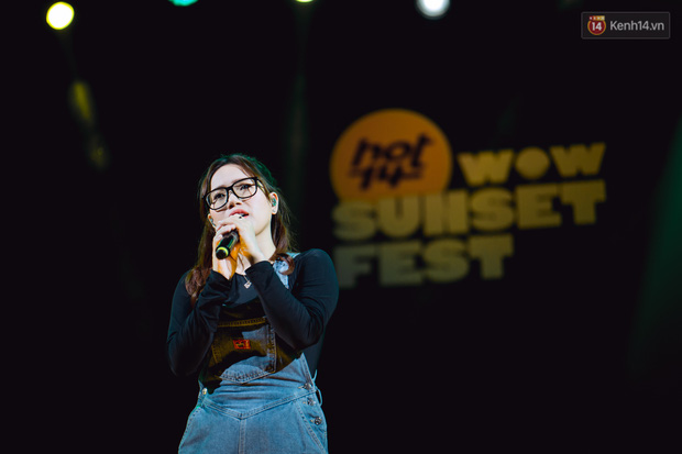 Dàn sao Vpop tổng duyệt giữa đêm trên biển chuẩn bị cho HOT14 WOW Sunset Fest: Thuỳ Chi hát hay miễn bàn, Juky San và Cara sẽ gây bất ngờ! - Ảnh 10.