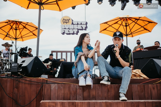 Trước giờ G: Jack ăn vận siêu đáng yêu tổng duyệt HOT14 WOW Sunset Fest, Anh Tú - Lyly hát tập thôi mà tình cảm thế này? - Ảnh 13.