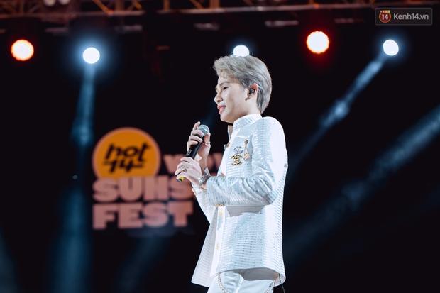 """Jack, Thuỳ Chi khiến fan """"mê mẩn"""" với loạt hit, Juky San - LyLy cùng dàn nghệ sĩ làm bùng nổ sân khấu chưa từng có tại HOT14 WOW Sunset Fest - Ảnh 36."""