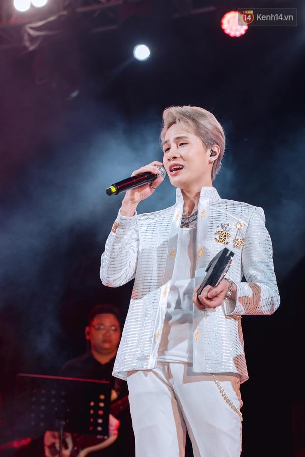 """Jack, Thuỳ Chi khiến fan """"mê mẩn"""" với loạt hit, Juky San - LyLy cùng dàn nghệ sĩ làm bùng nổ sân khấu chưa từng có tại HOT14 WOW Sunset Fest - Ảnh 34."""