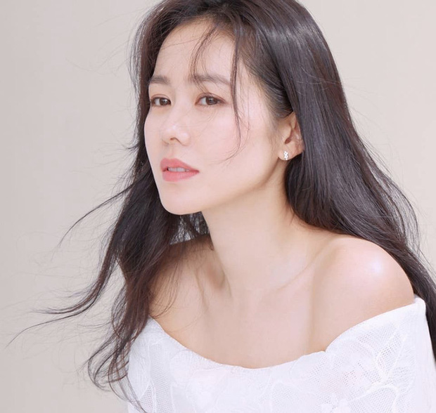 5 bóng hồng bước qua đời So Ji Sub: Toàn mỹ nhân ngực khủng căng tràn bờ đê, Son Ye Jin học vấn thua xa vợ tài tử - Ảnh 48.
