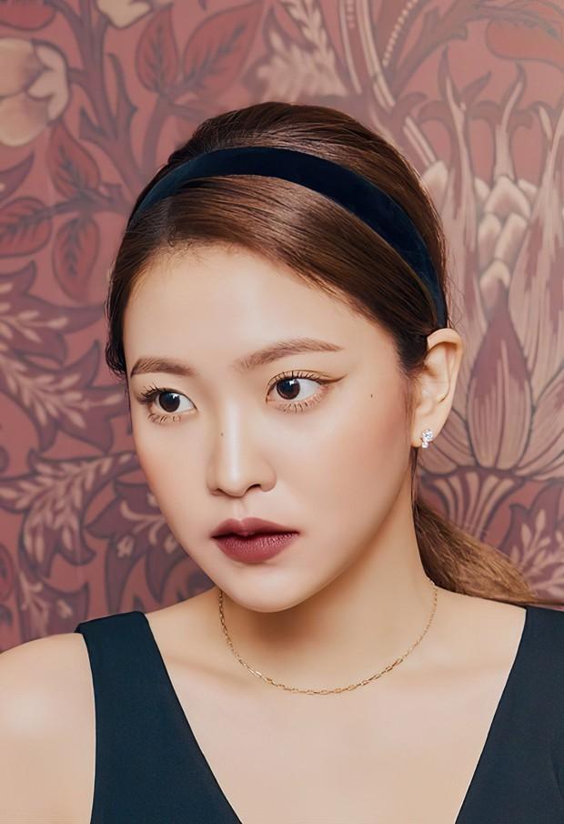 """Dàn idol nữ càng lớn càng """"bùng nổ"""" visual: Lisa doạ soán ngôi nữ thần BLACKPINK, em út Red Velvet lột xác nhưng bị tố copy Jennie - Ảnh 12."""