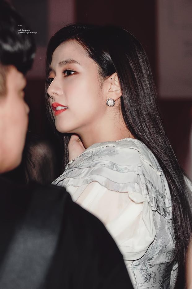 Netizen đang phát cuồng vì góc nghiêng của Jisoo (BLACKPINK): Xương hàm đến sống mũi thế này, bảo sao được gọi là Hoa hậu Hàn - Ảnh 3.