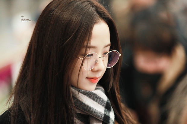 Netizen đang phát cuồng vì góc nghiêng của Jisoo (BLACKPINK): Xương hàm đến sống mũi thế này, bảo sao được gọi là Hoa hậu Hàn - Ảnh 8.