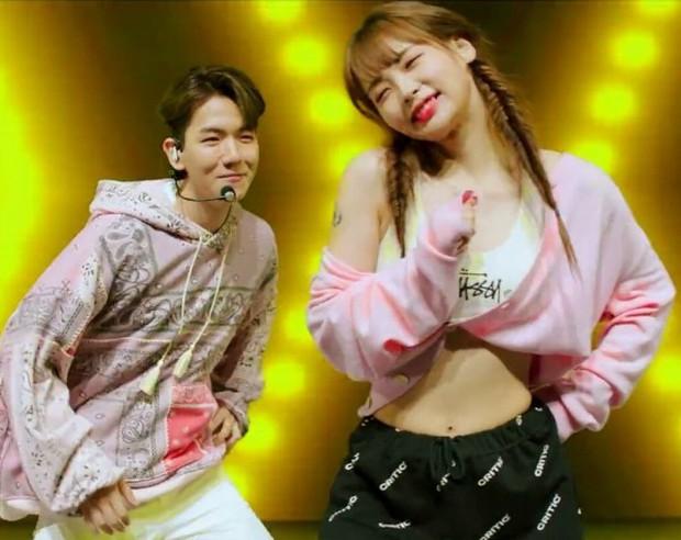 Khi vũ công của idol nổi sau 1 đêm vì quá đẹp: 2 nữ dancer của EXO xinh xỉu, hot boy 6 múi của Sunmi và biên đạo nhà SM át cả idol - Ảnh 21.