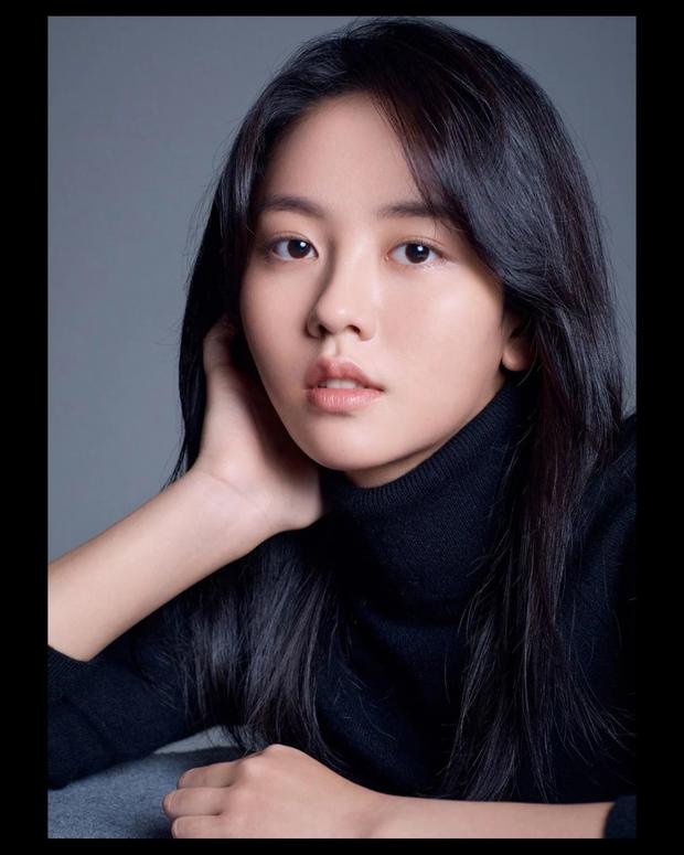Lâu lắm mới trở lại, sao nhí Mặt Trăng Ôm Mặt Trời Kim So Hyun khiến MXH bùng nổ với visual xinh đến... lặng người - Ảnh 6.