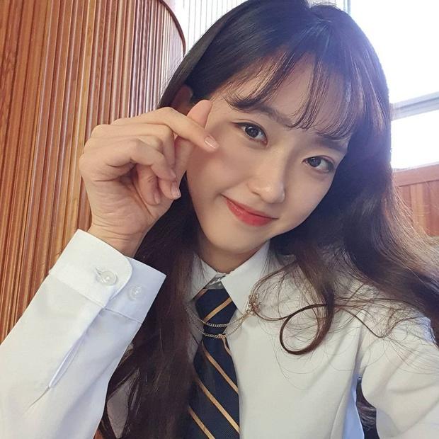 Rich kid Penthouse Han Ji Hyun gây choáng với học lực quá khủng: Đỗ 6 trường đại học, học cấp 3 với BTS - TWICE - Ảnh 2.