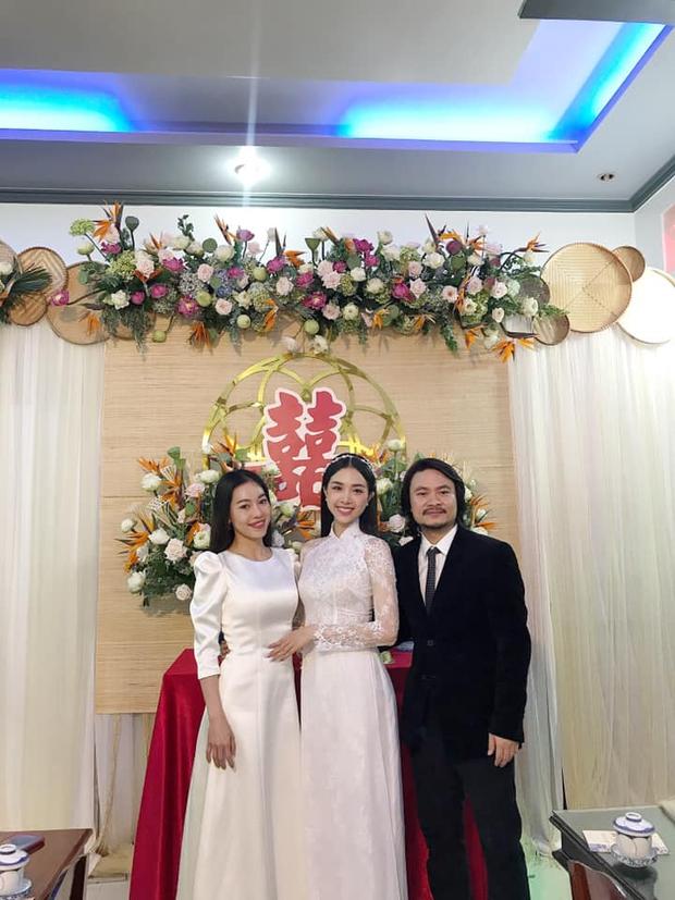 Cả dàn hậu đổ bộ đám cưới Thuý An: Cô dâu rạng ngời, Đỗ Mỹ Linh - Tiểu Vy diện áo bà ba thôi vẫn khoe đường cong nuột nà - Ảnh 9.