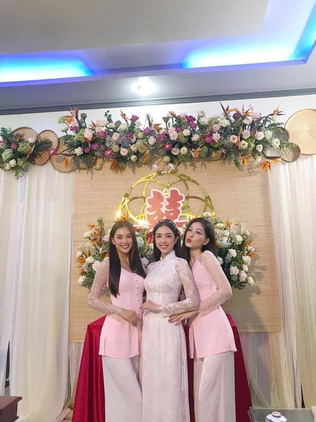 """Á hậu Thúy An đeo vòng vàng ứ cả cổ, kín tay ở đám cưới, netizen gật gù: Lấy chồng là gánh nặng, nhưng """"nặng"""" thế này thì còn gì bằng - Ảnh 6."""