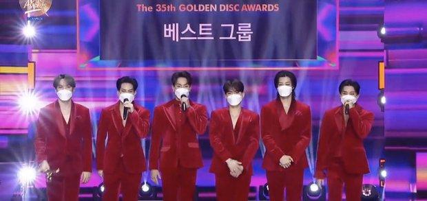 BTS xuất hiện đủ 7 người nhận giải nhưng lại mất Daesang về tay IU tại Grammy Hàn Quốc 2021; BLACKPINK, Red Velvet ở nhà vẫn có giải - Ảnh 6.