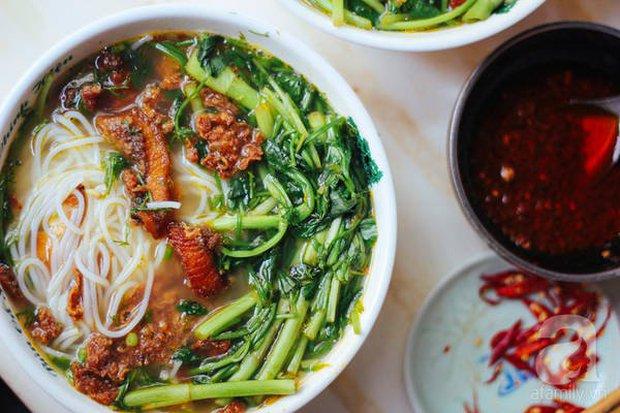 Người Hàn Quốc bình chọn 14 món ăn tiêu biểu của ẩm thực Việt Nam, đọc tới màn giới thiệu bánh mì mới thấy có gì đó sai sai? - Ảnh 4.
