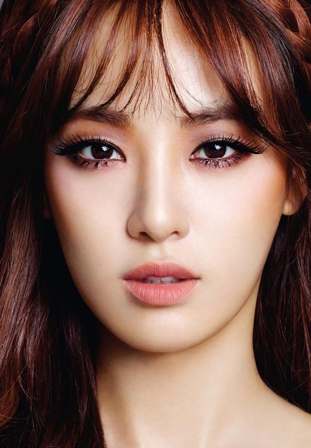 5 bóng hồng bước qua đời So Ji Sub: Toàn mỹ nhân ngực khủng căng tràn bờ đê, Son Ye Jin học vấn thua xa vợ tài tử - Ảnh 51.
