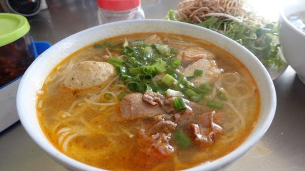 Người Hàn Quốc bình chọn 14 món ăn tiêu biểu của ẩm thực Việt Nam, đọc tới màn giới thiệu bánh mì mới thấy có gì đó sai sai? - Ảnh 8.