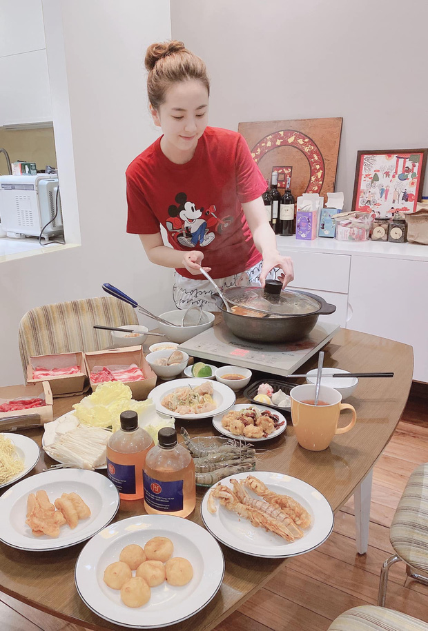 MC Mai Ngọc VTV sống trong căn hộ cực đẳng cấp, nhìn phòng bếp và ban công là biết thuộc team nghiện nhà - Ảnh 10.