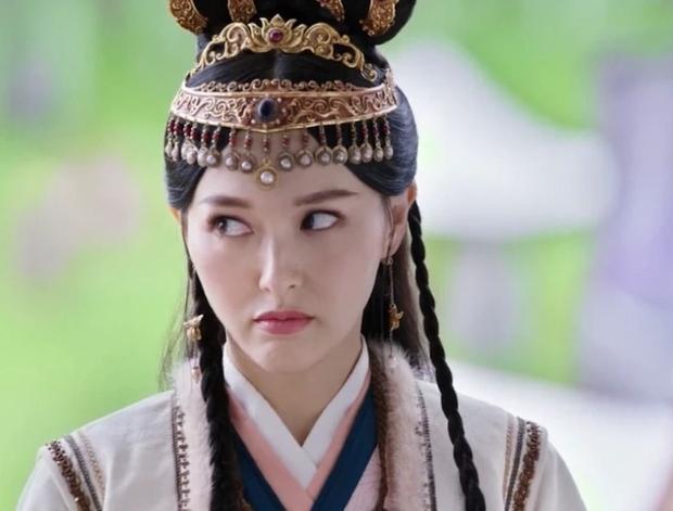 Loạt chị đại cưa sừng làm nghé nhức mắt nhất phim Trung: Chương Tử Di hóa em gái 15 chưa là gì với số 6 thảm họa một thời - Ảnh 8.