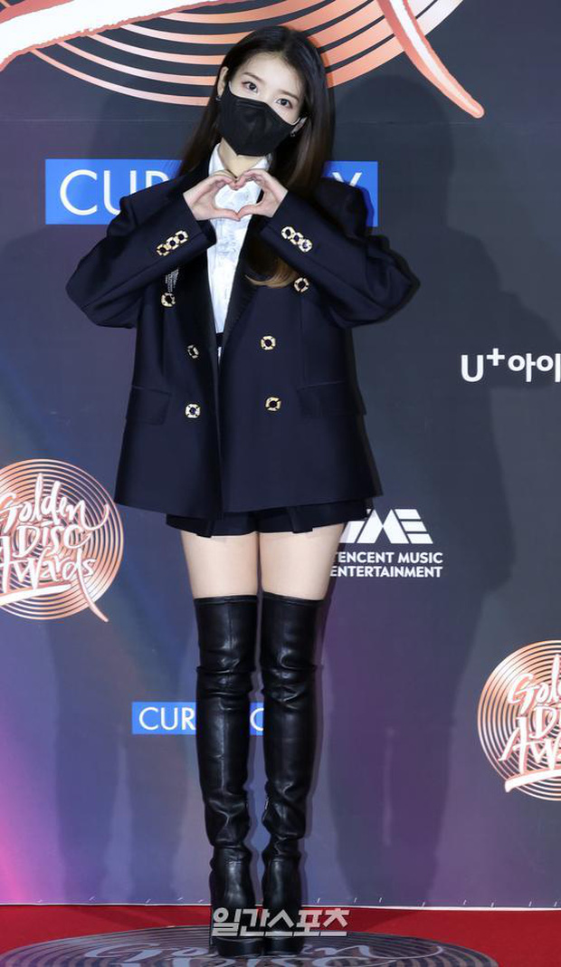 Thảm đỏ Grammy Hàn Quốc 2021: Thành viên Oh My Girl mặc đồ thảm họa, em út sexy nhất Kpop Hwasa và Jessi hở bạo kệ trời rét âm độ - Ảnh 6.