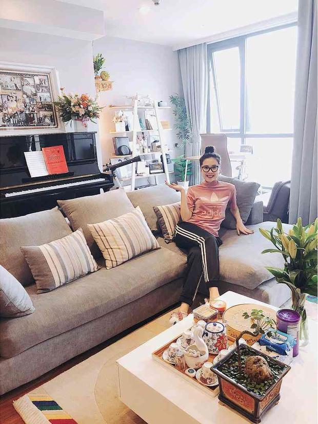 MC Mai Ngọc VTV sống trong căn hộ cực đẳng cấp, nhìn phòng bếp và ban công là biết thuộc team nghiện nhà - Ảnh 2.