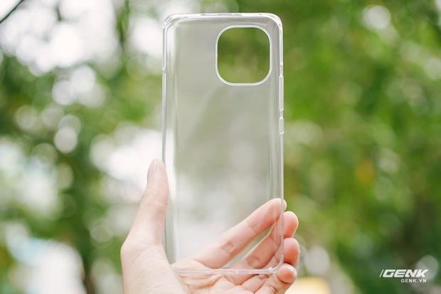 Trên tay Xiaomi Mi 11 tại Việt Nam: Smartphone đầu tiên với chip Snapdragon 888, giá 16 triệu đồng - Ảnh 3.