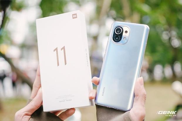 Trên tay Xiaomi Mi 11 tại Việt Nam: Smartphone đầu tiên với chip Snapdragon 888, giá 16 triệu đồng - Ảnh 24.