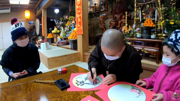 Quỳnh Trần JP vừa mua nhà mới đã may mắn trúng số, dù không tin nổi nhưng bà mẹ người Việt vẫn quyết định dùng số tiền theo cách đặc biệt này - Ảnh 7.